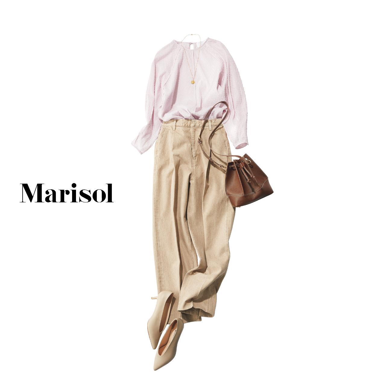 40代ファッション ピンクブラウス×ベージュデニムパンツ コーデ