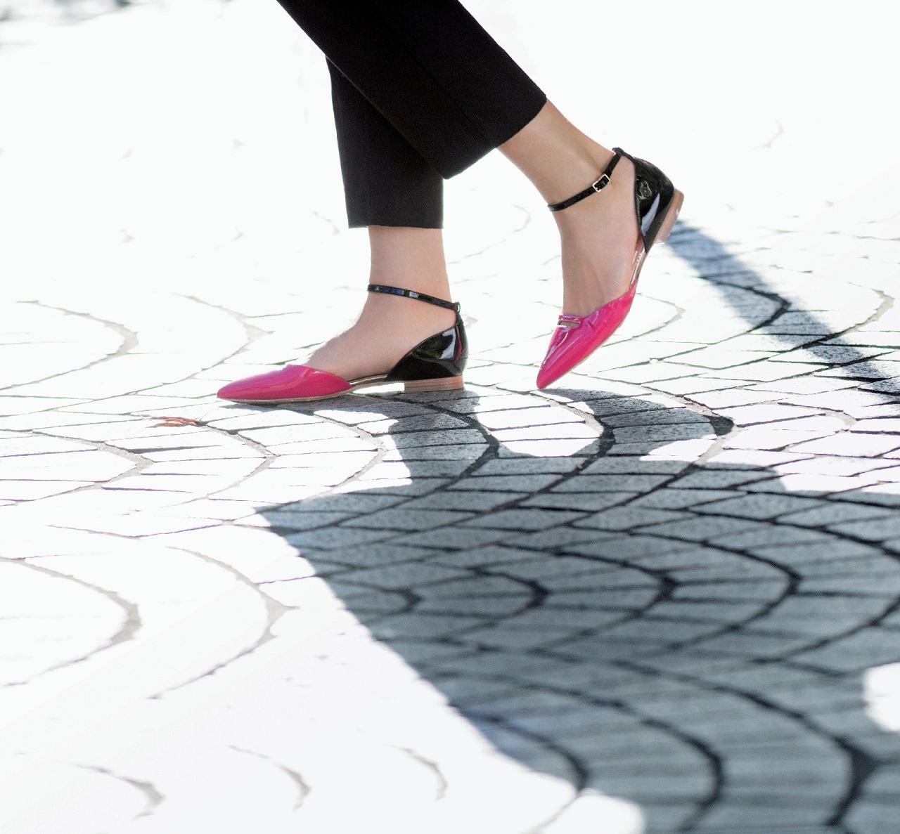 アピール力が光る、ノンヒールなのにおしゃれな靴 五選_1_2
