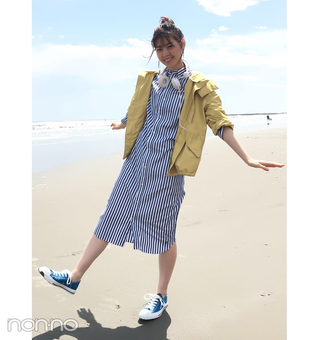 【夏のスニーカーコーデ】西野七瀬はナイロンパーカ×シャツワンピでカジュアルモテ♡