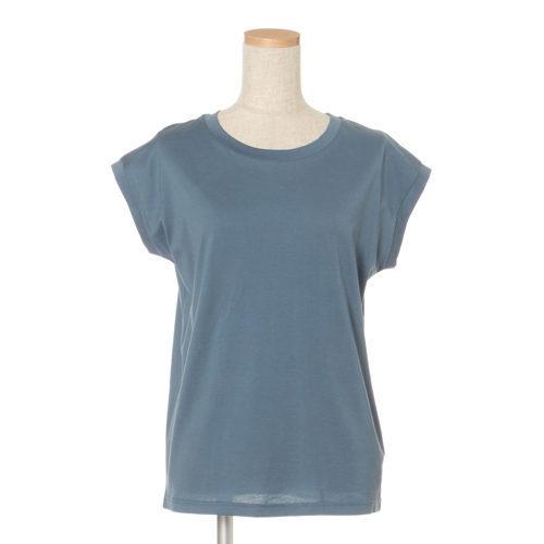 50代の今買いアイテムはコレ!体型をきれいに見せる「最旬Tシャツ」_1_3