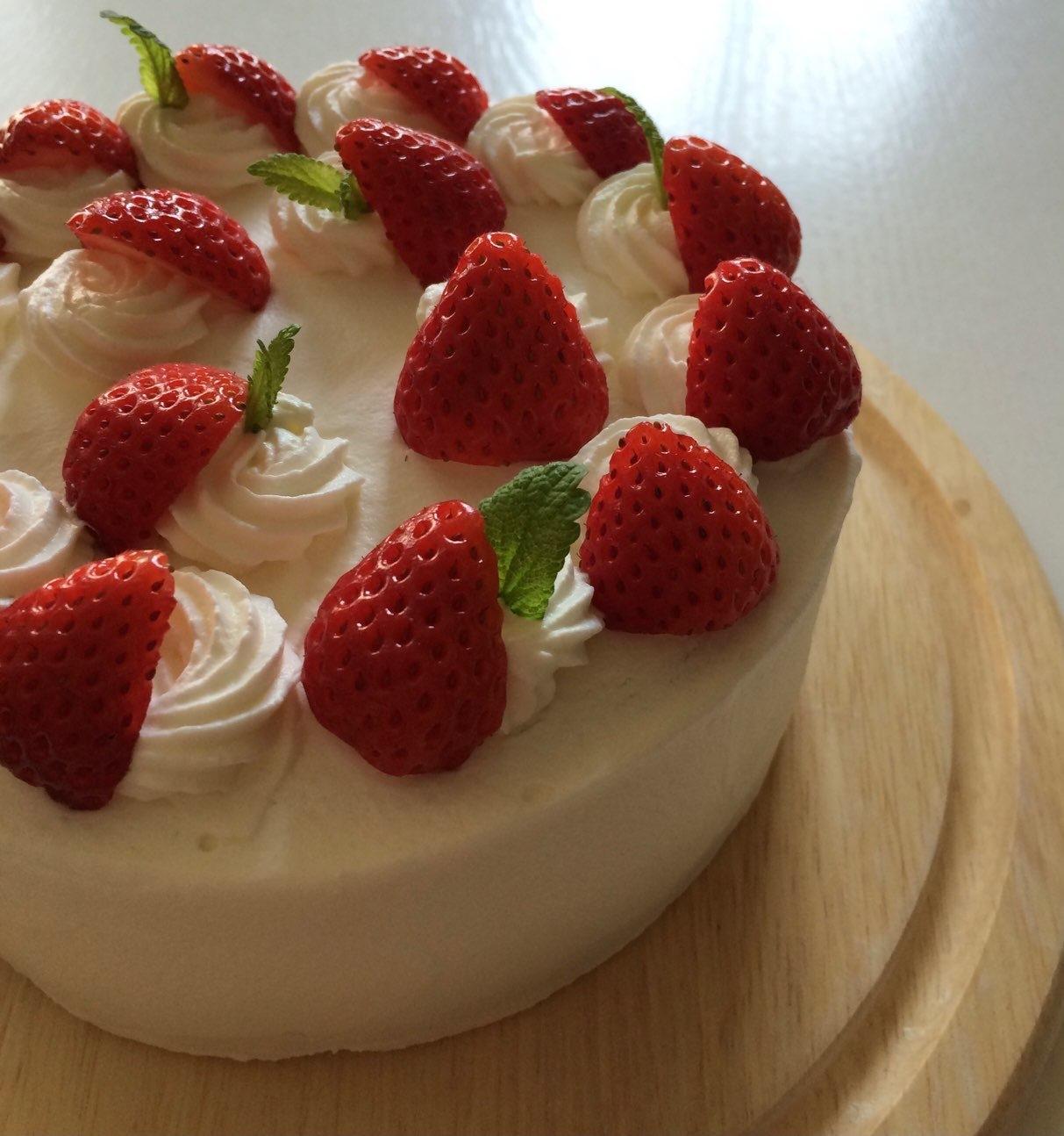 小粒苺のショートケーキ