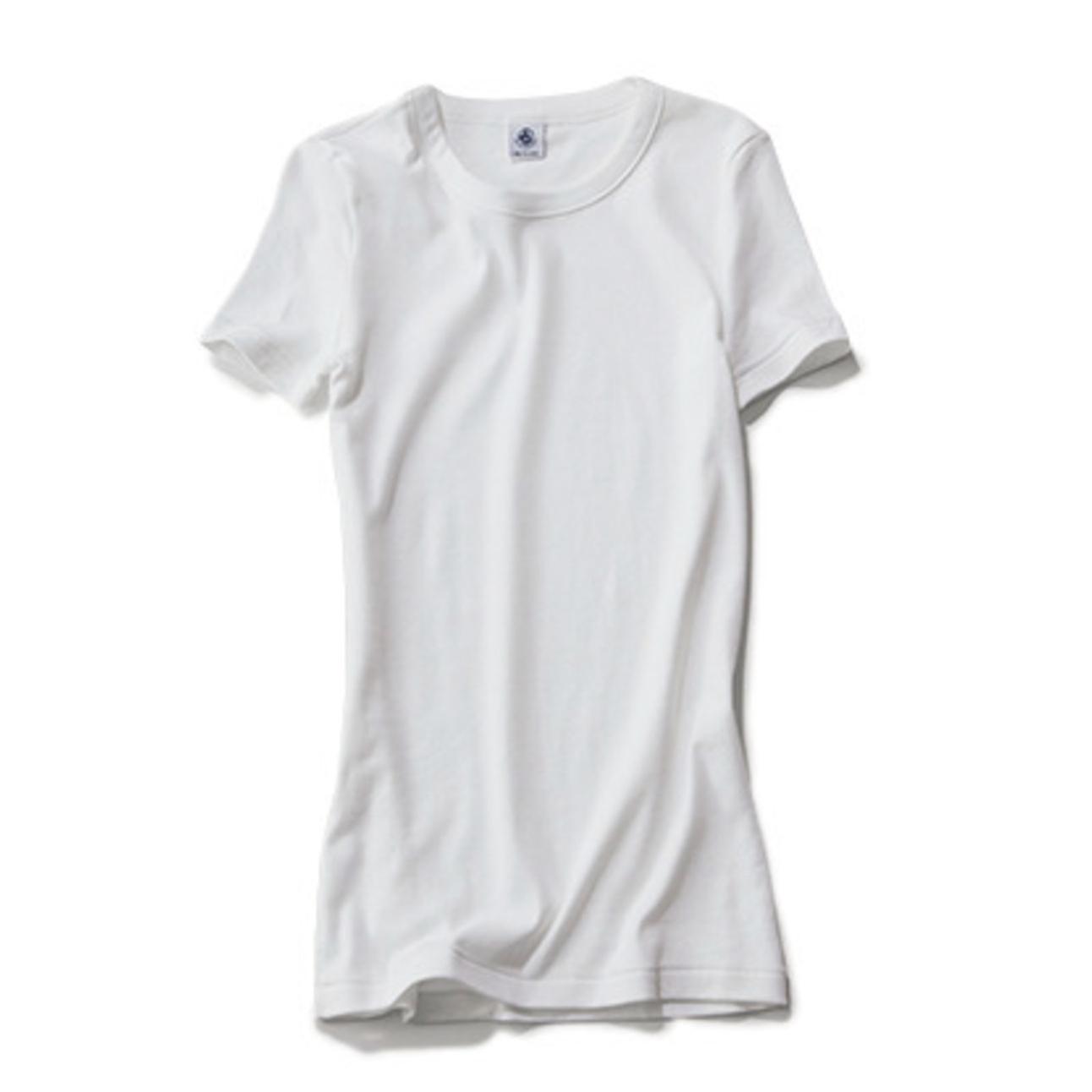 重ね着にぴったりの白Tシャツ