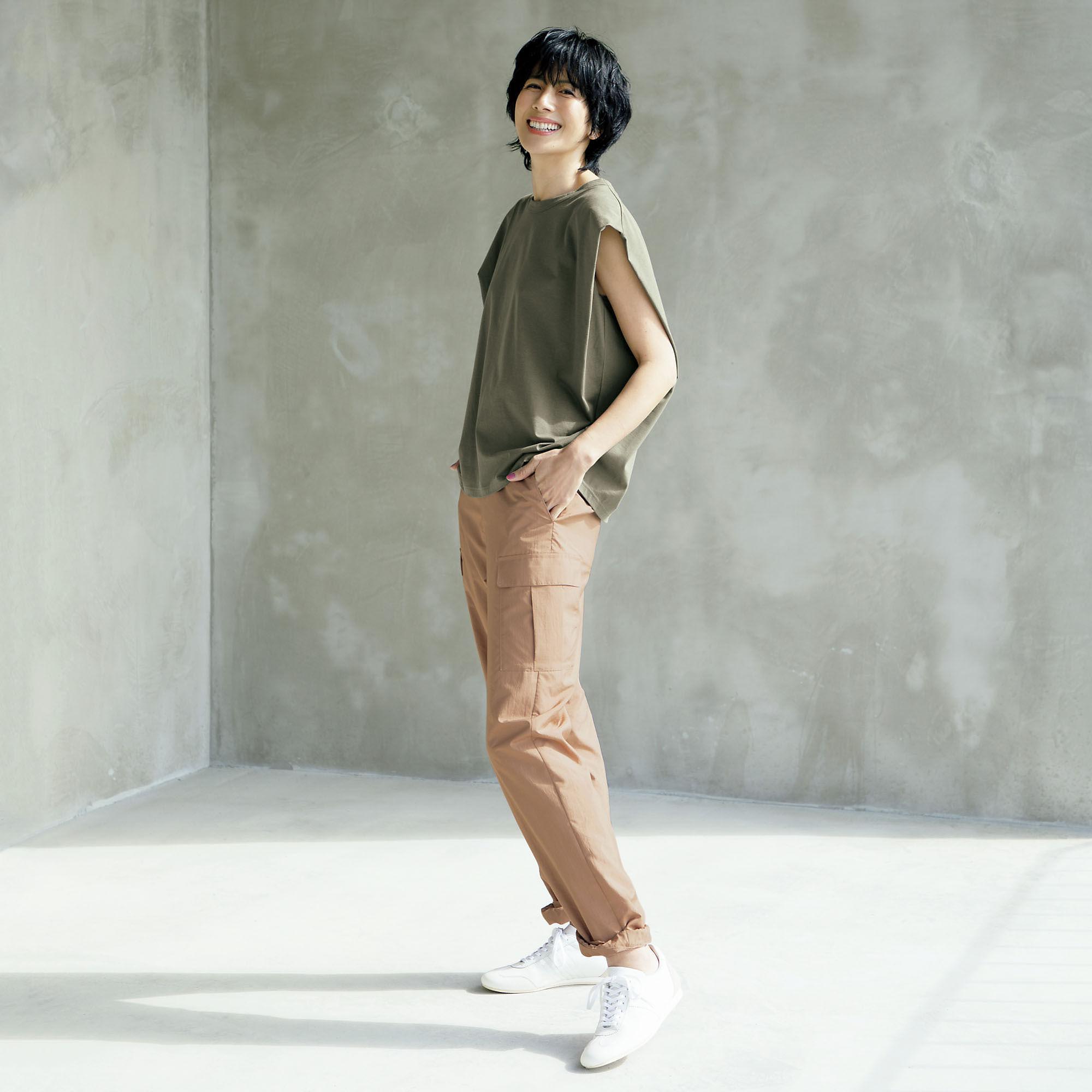 長谷川理恵さんが着こなす。アラフィーの理想の細見え服とは?_1_6