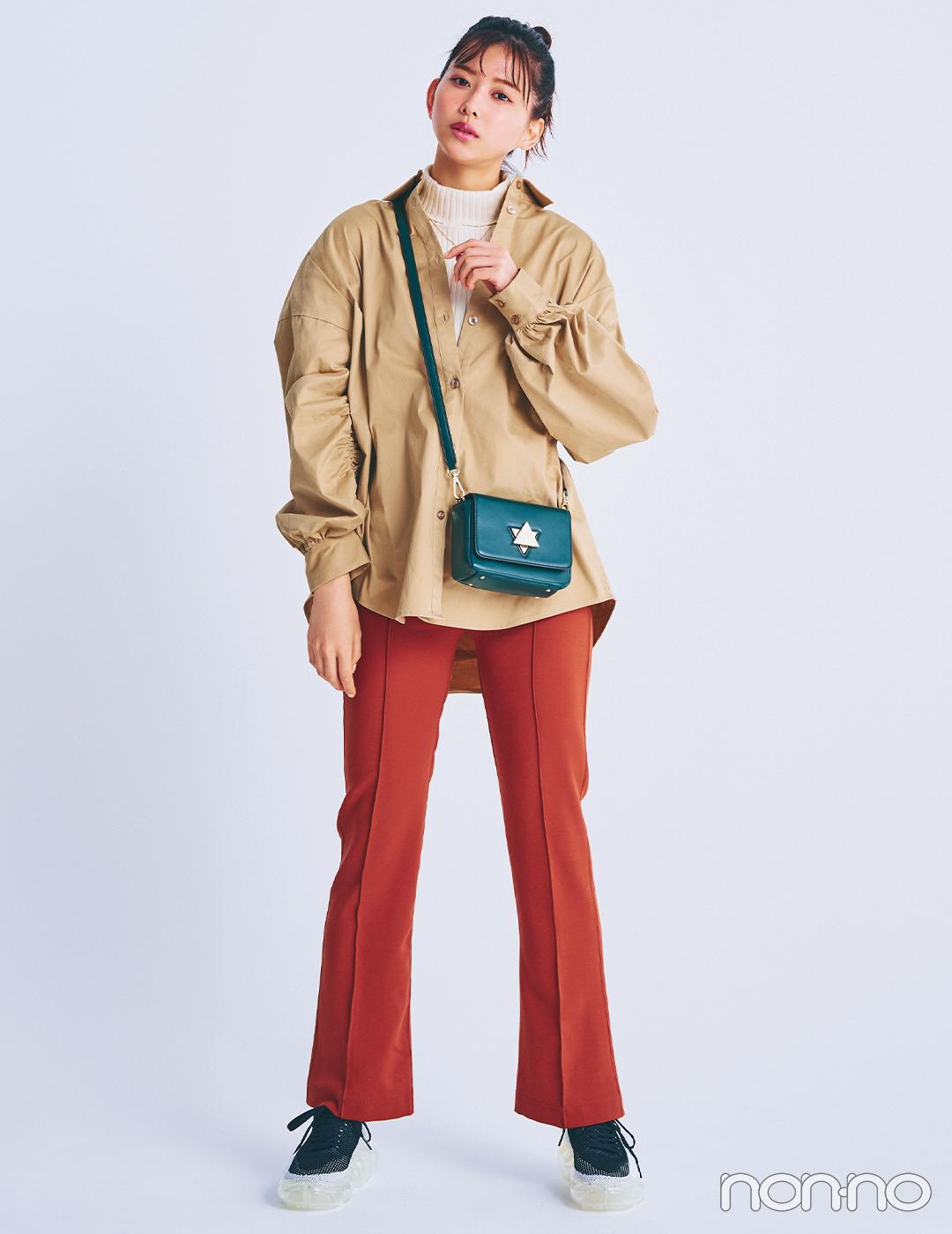 渡邉理佐は注目のカラーパンツで着こなしの鮮度をアップ【毎日コーデ】