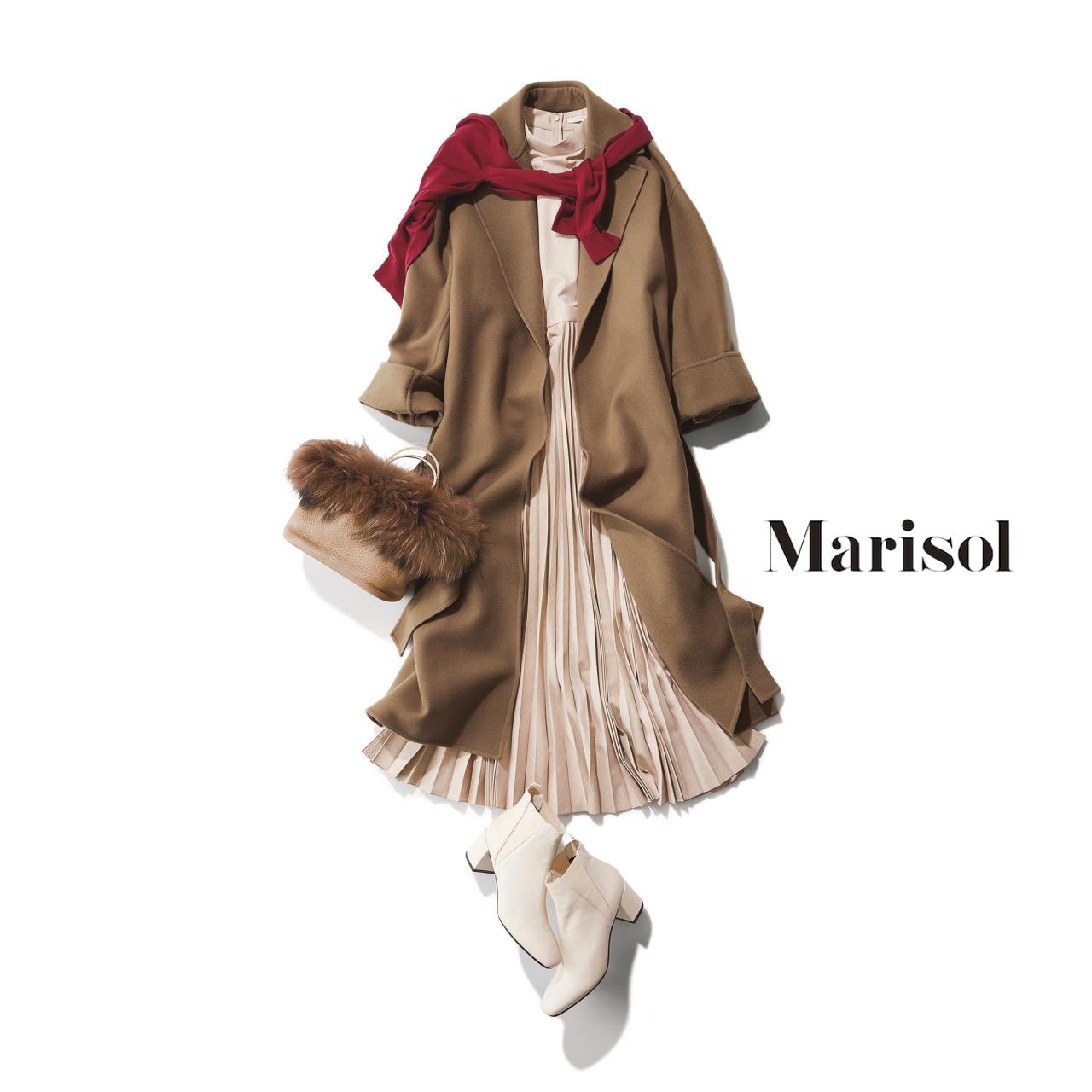 40代ファッション ガウンコート×プリーツワンピースコーデ