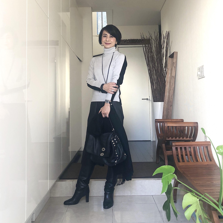 黒ロングブーツコーデ 華組 近藤和子さん