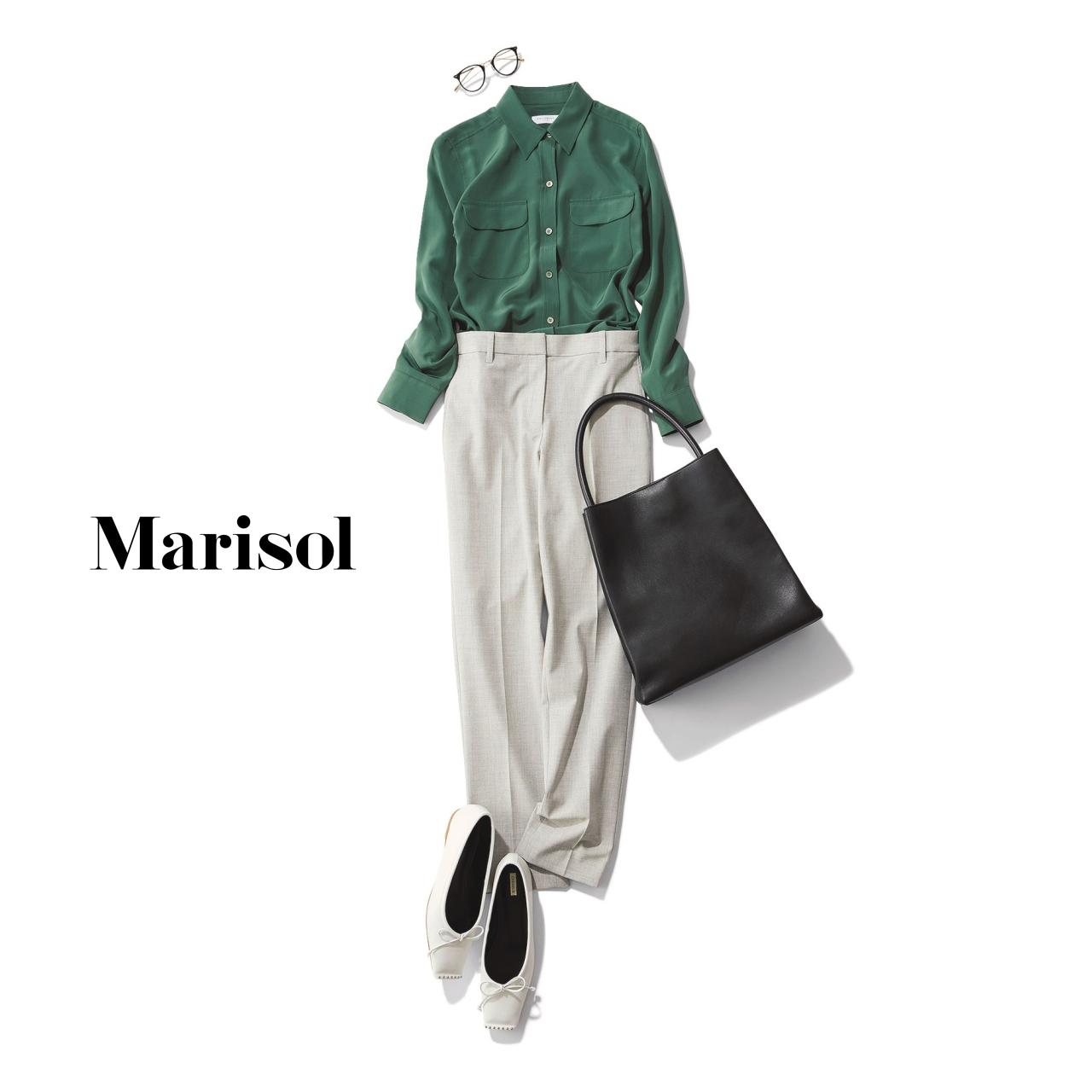 40代ファッション グリーンシャツ×グレーパンツ×バレーシューズコーデ