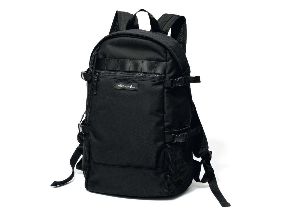 カジュアル派の毎日バッグは「黒リュック」が鉄板! _1_9