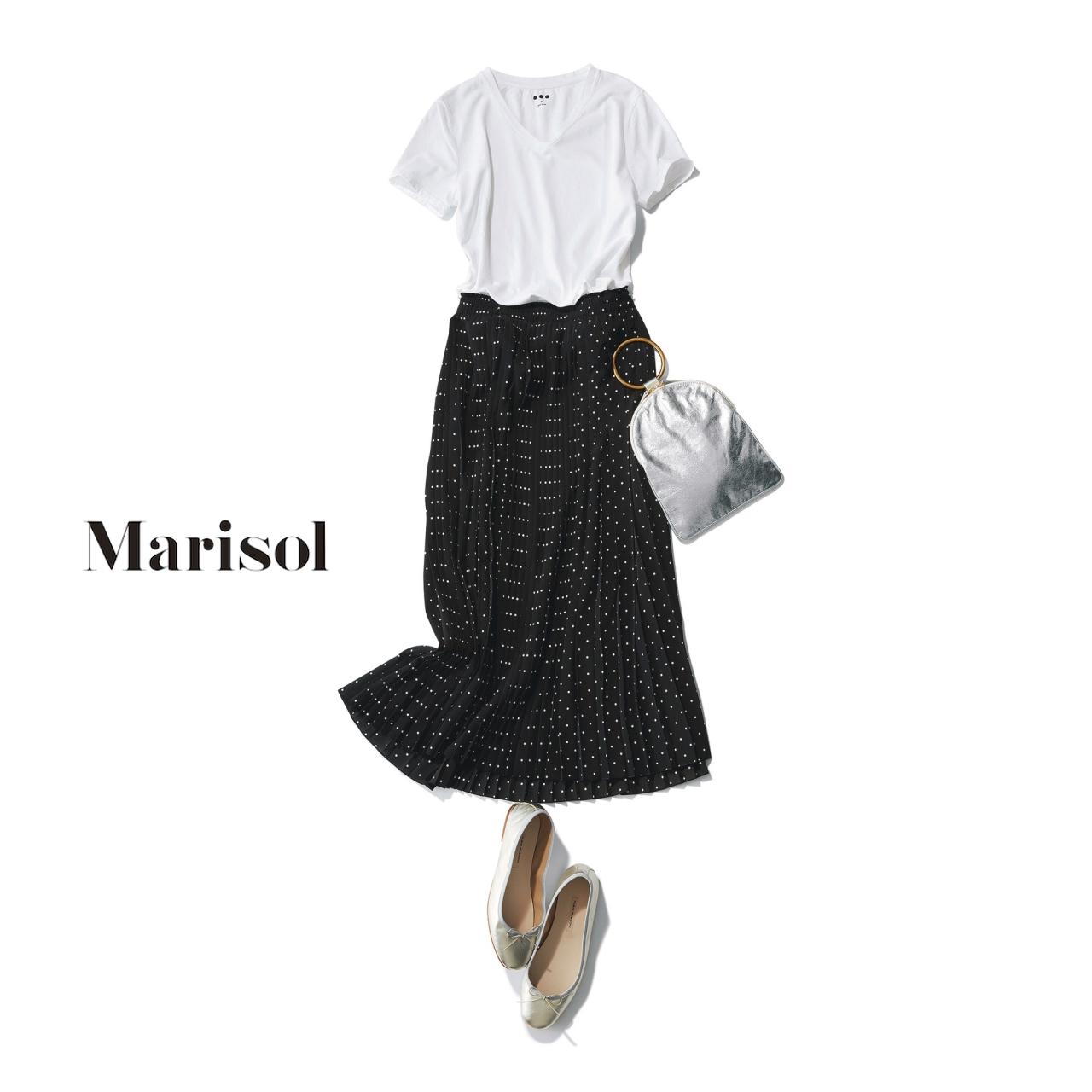 Tシャツ×プリーツスカートコーデ