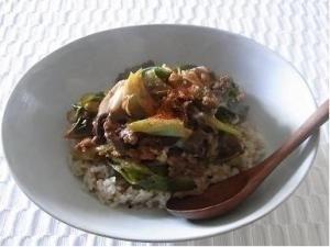 やっぱりお肉が食べたい!疲れを吹き飛ばす、韓国風牛丼レシピ_1_1