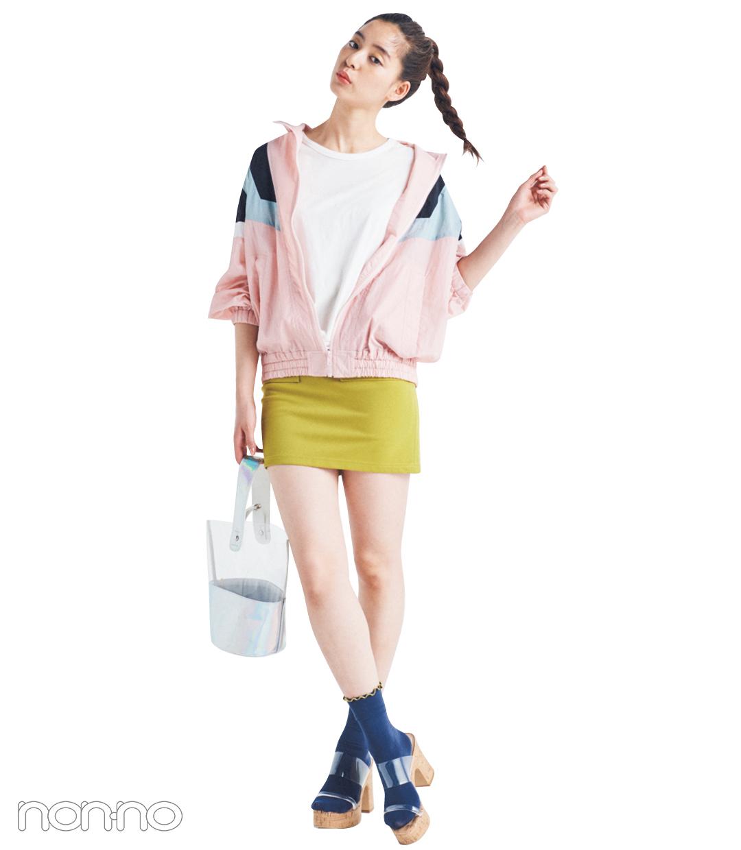 マンパ+ミニスカートコーデでポップな夏ガール!