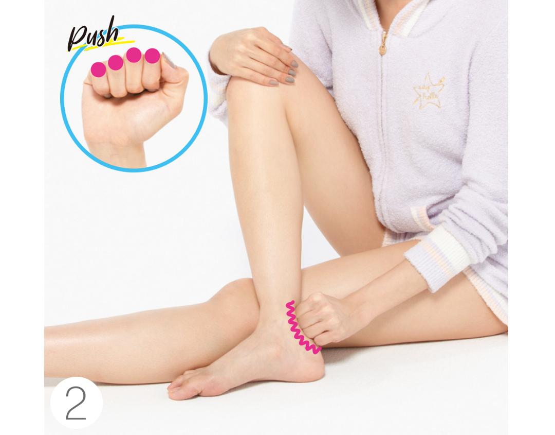 「こぶしかっさ」でほっそり足首♡ 脚ヤセすればブーツも楽々! _1_8-2