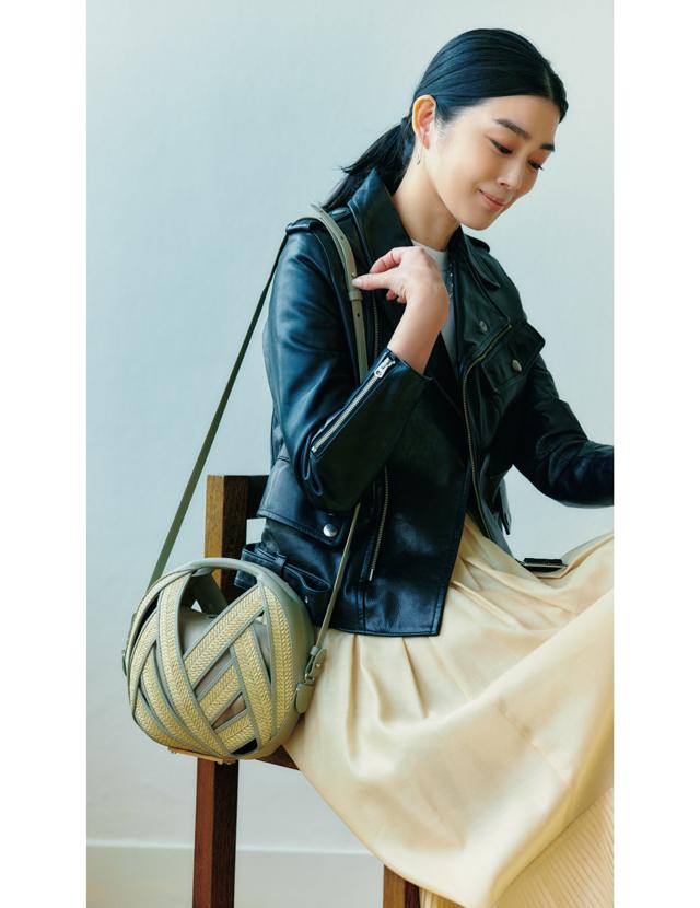 ペラン パリのバッグ「プチ パニエ」コーデのゆうき