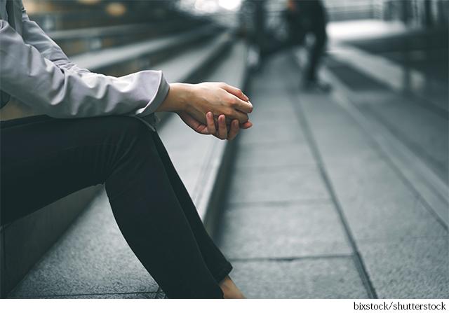 アラフィー世代を取り巻くストレス環境