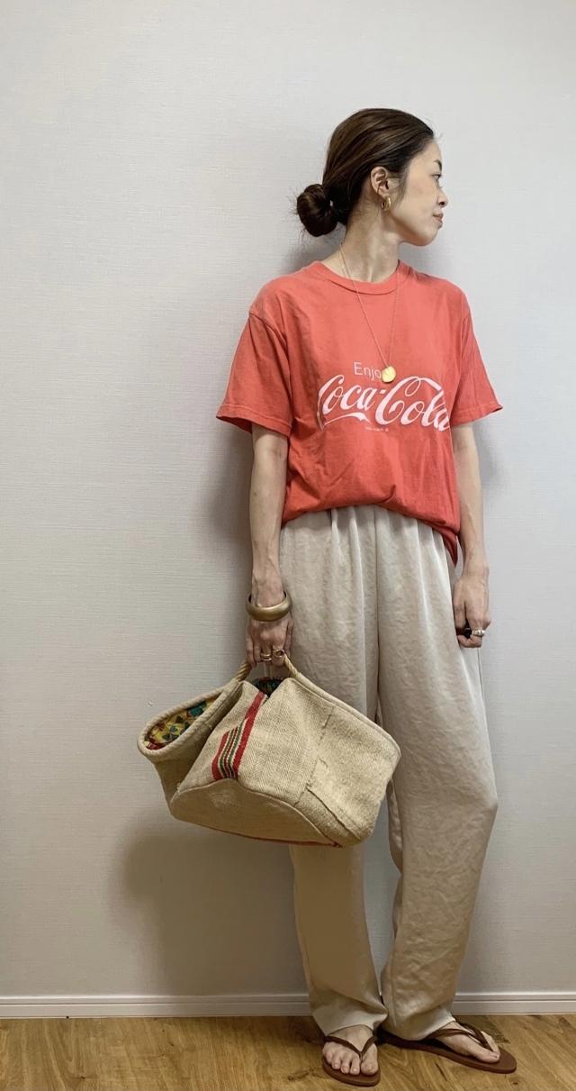 40代にベストなロゴTシャツとは? 大人に似合う夏の最旬ロゴTシャツコーデまとめ|美女組Pick up!_1_28-2