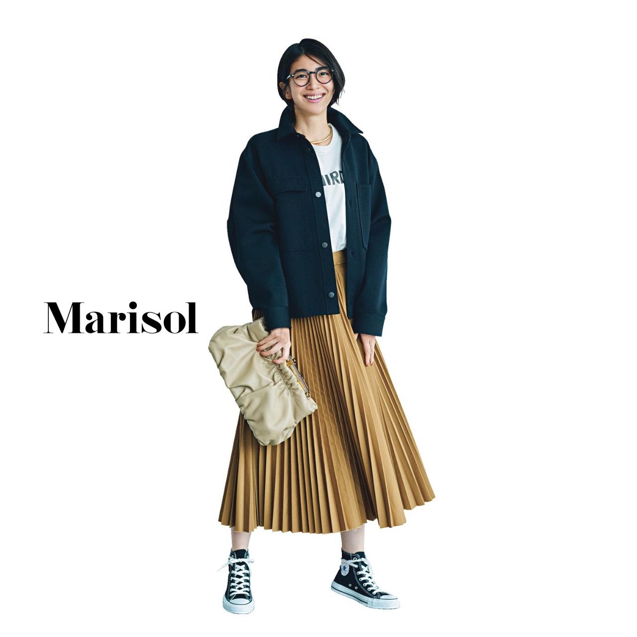 40代ファッション CPOジャケット×Tシャツ×プリーツスカート コーデ