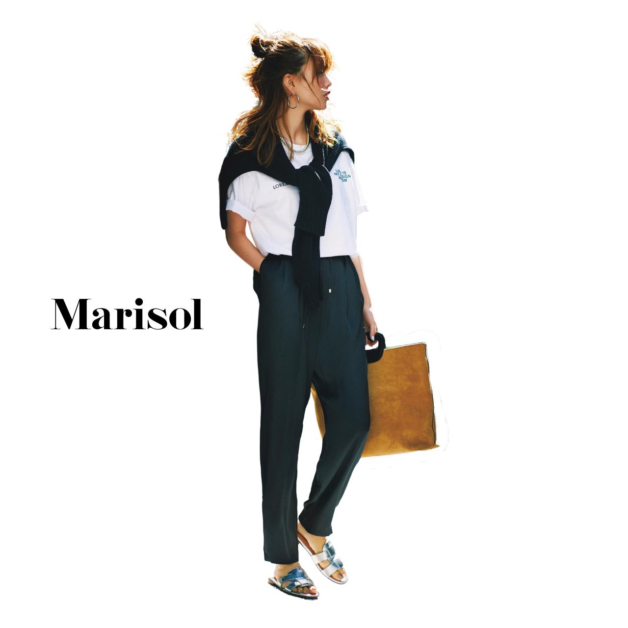 40代ファッション Tシャツ×黒パンツコーデ