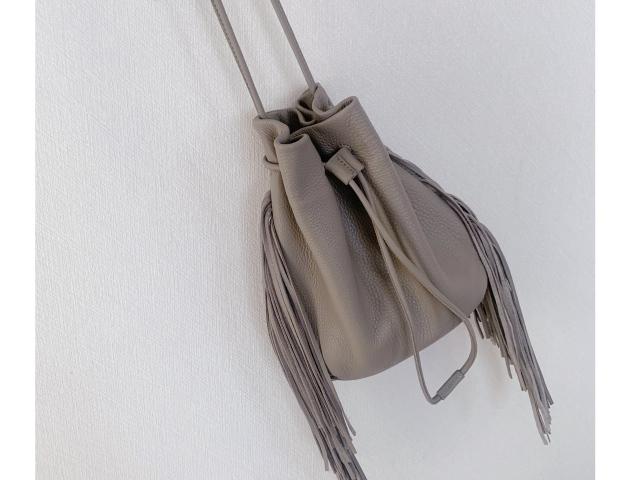 レザーフリンジ巾着バッグ アラフォーファッション