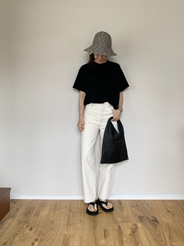 【40代が持つべき名品バッグ】カジュアルコーデに大人の品格を与えるラグジュアリーブランドのバッグの魅力|アラフォーファッション_1_24