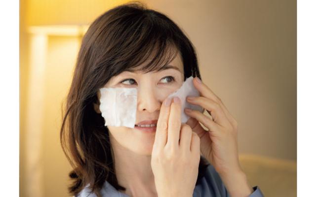 美容ジャーナリスト 安倍佐和子さん お手入れの最初に化粧水パック