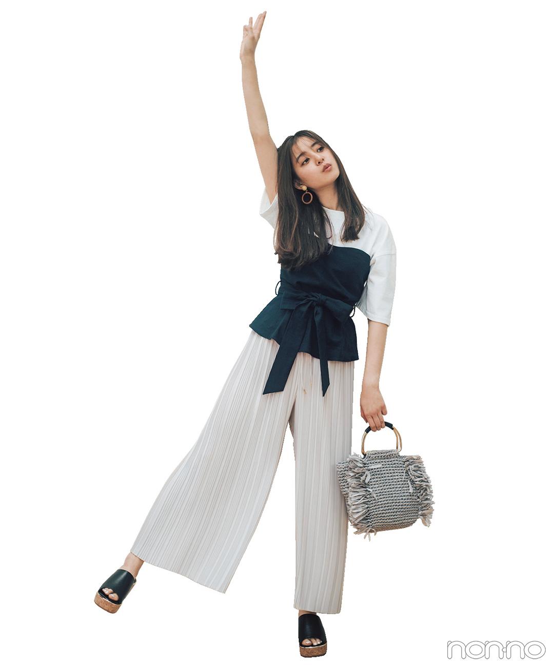 新木優子は白Tシャツにビスチェをプラスして、メリハリ色っぽコーデ♡【毎日コーデ】