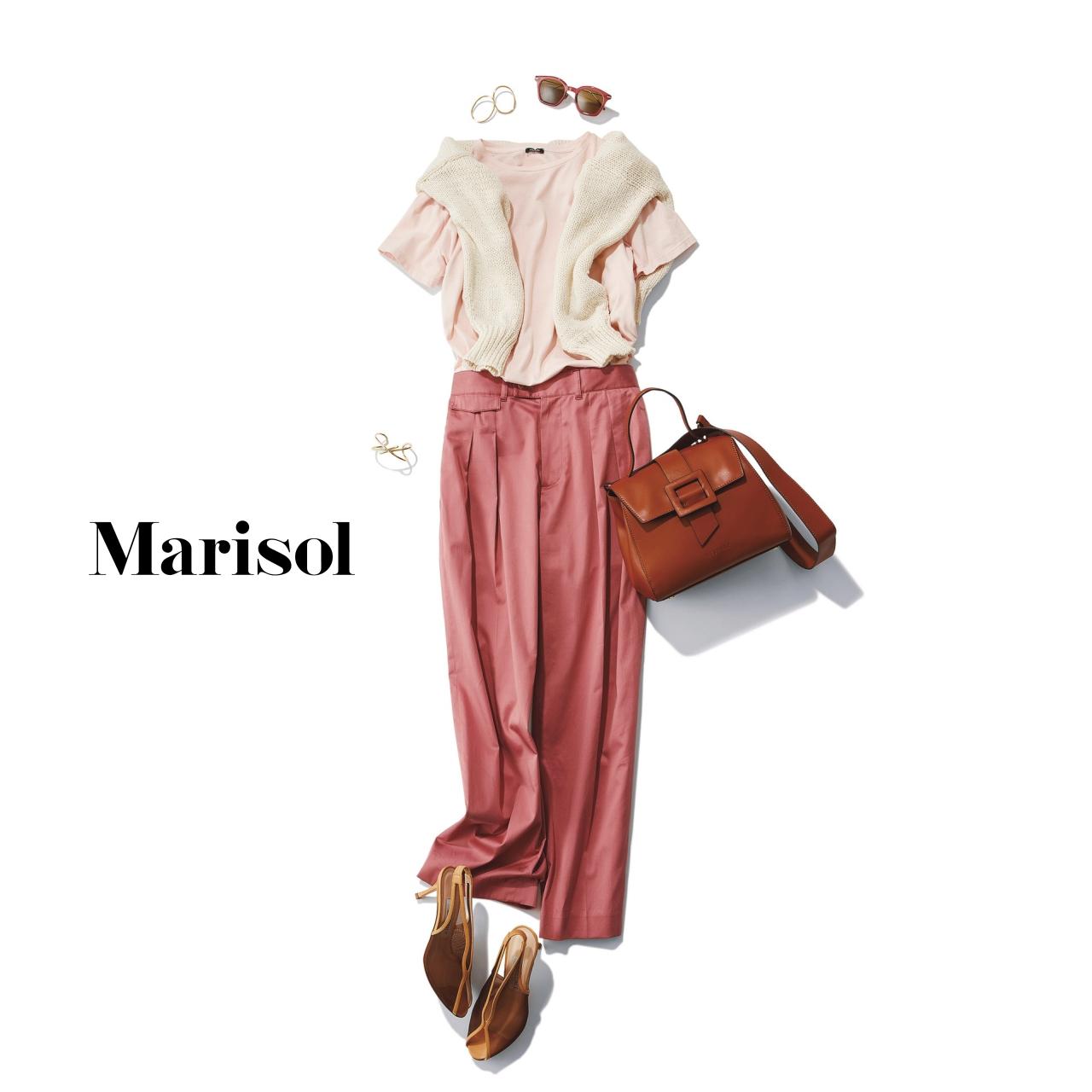 40代ファッション ピンクTシャツ×ピンクパンツ×肩がけニットコーデ