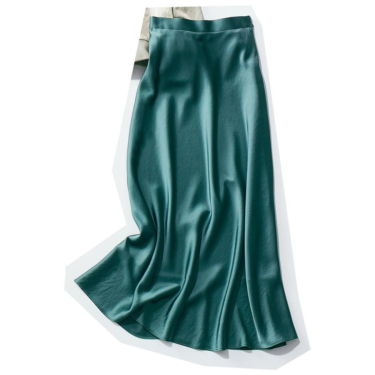 きれいめ好きの買うべきツヤ素材のナロースカート_2