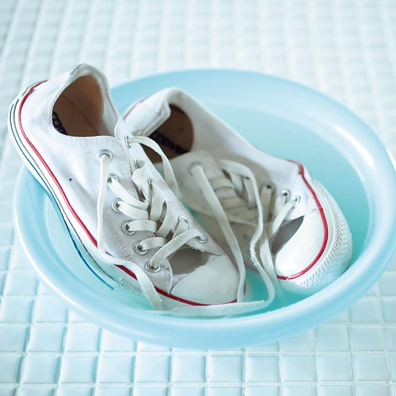 洗濯王子が解決!真っ白をキープする白スニーカーのお手入れ方法とは?_1_2