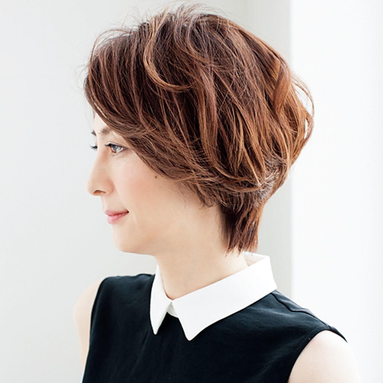 スタイルよく見えるひし形ショート。毛束感とカラーリング軽やかに【40代のショートヘア】_1_2