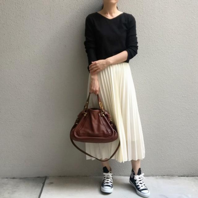 揺れ感が美しいプリーツスカートの足元の正解は?_1_7