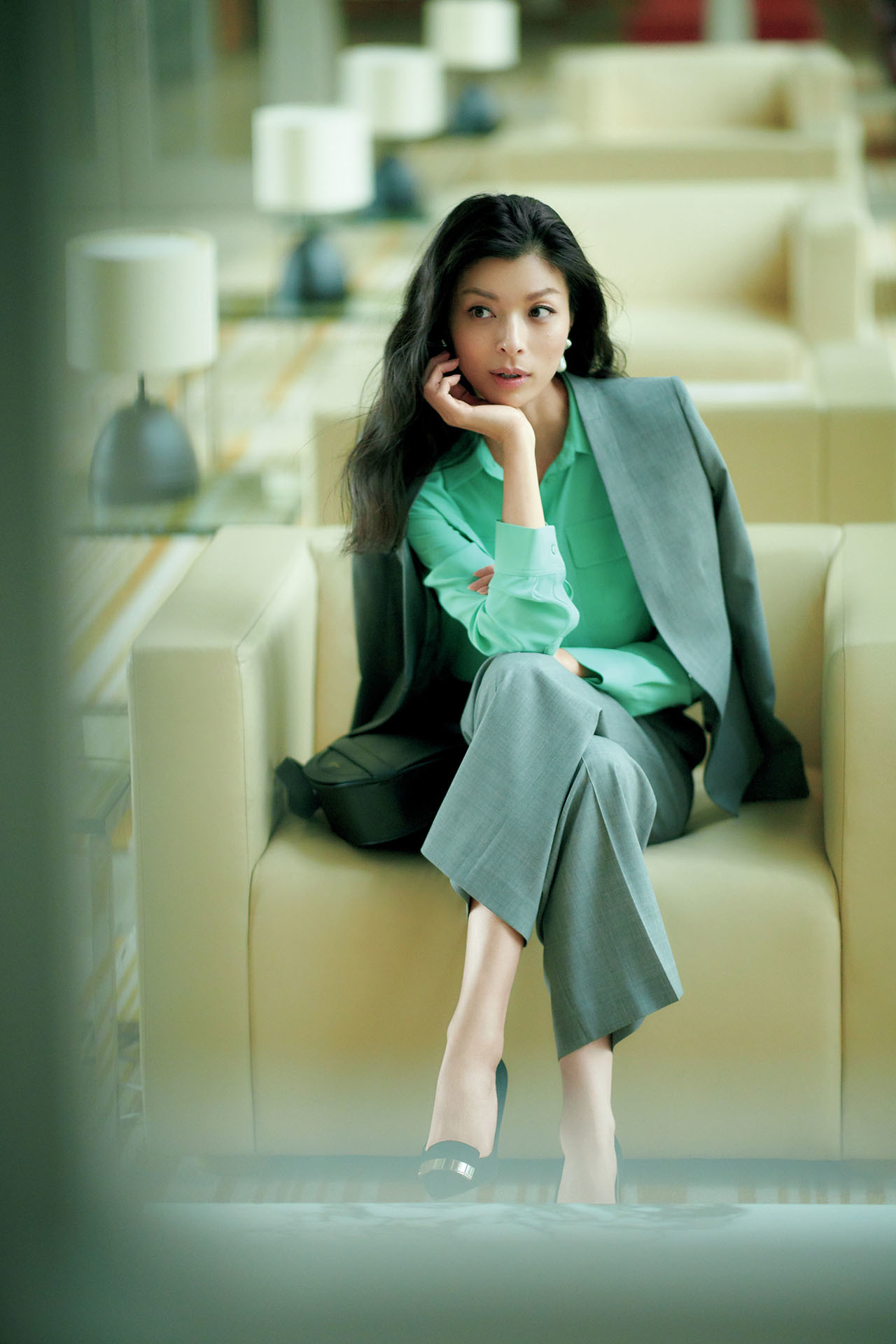 話しかけやすいオーラと信頼感を引き出す「好感グリーン」のお仕事服  五選_1_1-3