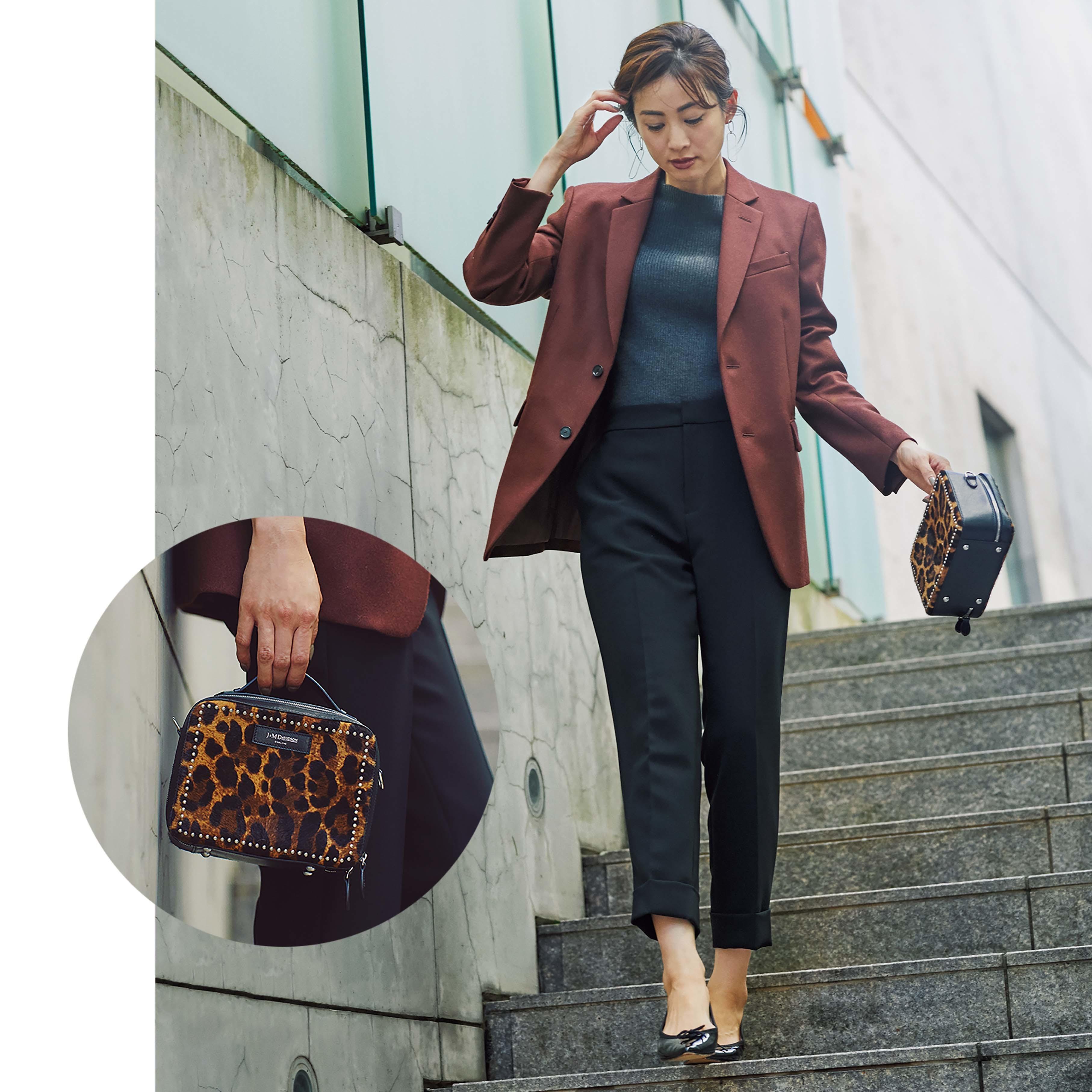 ジャケット×パンツ×ミニバッグのファッションコーデ