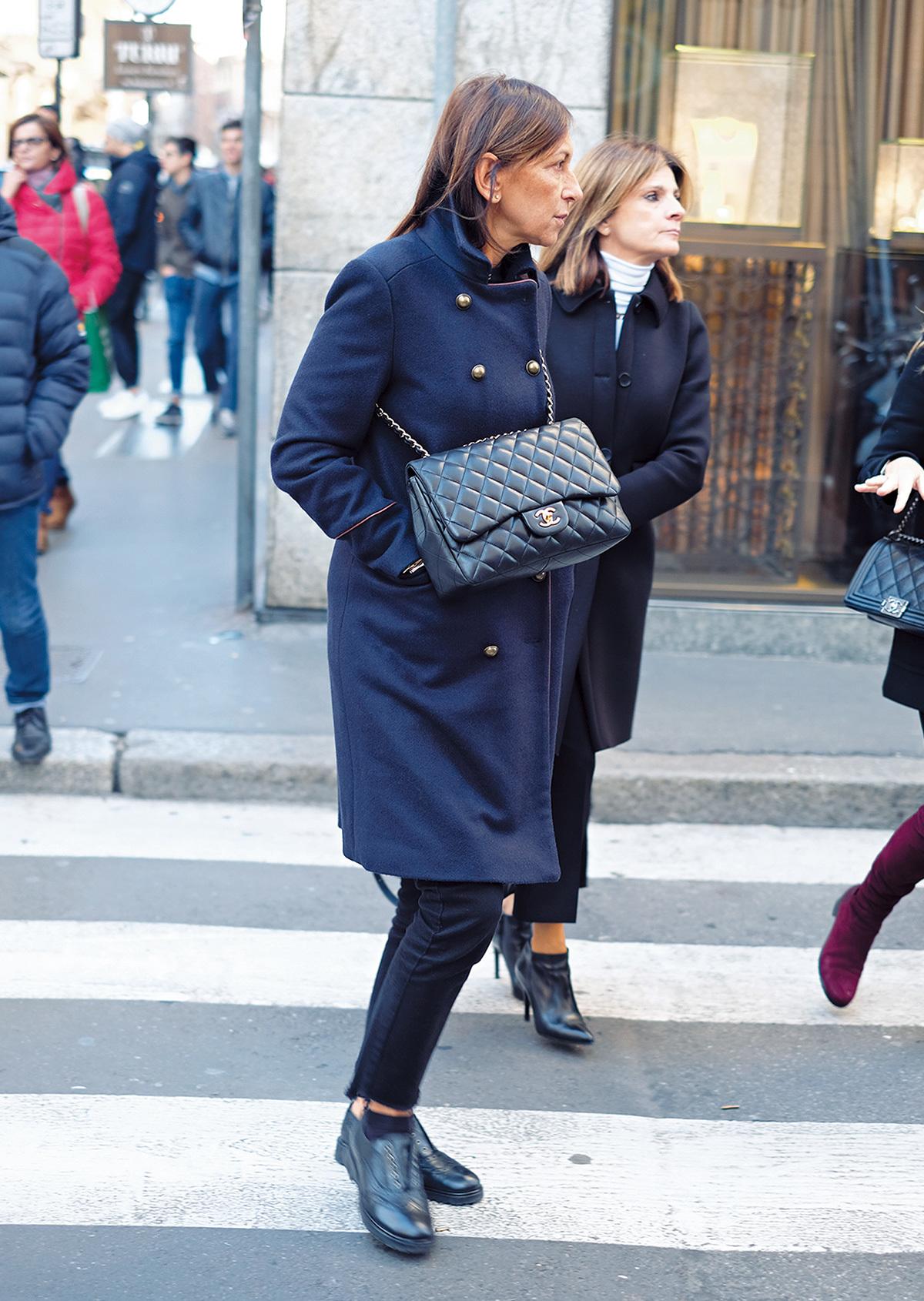 きれいめコートプラス斜めがけバッグが新鮮!【ファッションSNAP ミラノ・パリ・NY編】_1_2-1