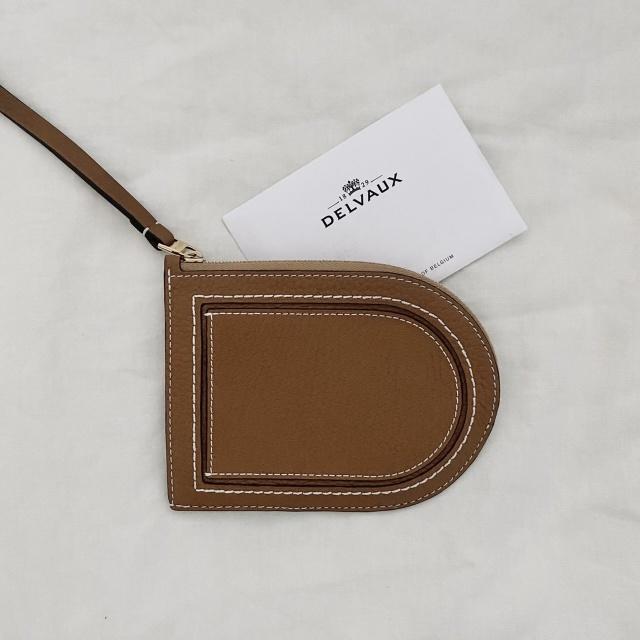 デルヴォーのカードケース型のお財布