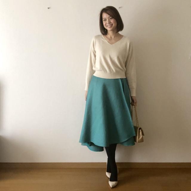 ミルクホワイト+カラースカート(ターコイズブルー)大好きな配色!