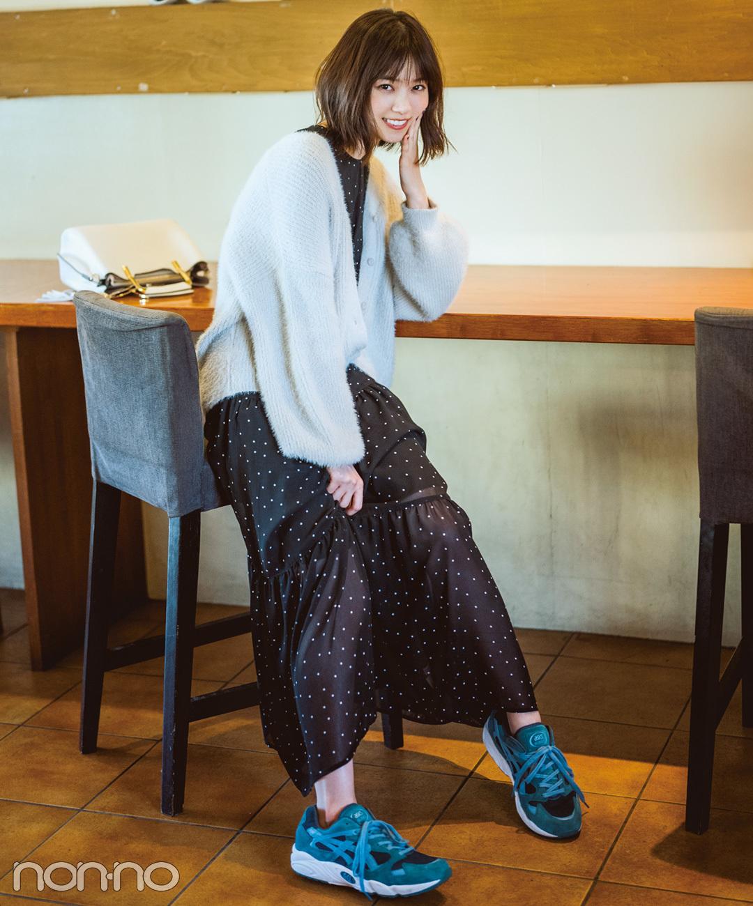 【グリーンスニーカーコーデ】西野七瀬の、カフェ巡りにぴったりなグリーンスニーカーのゆるカジコーデ♪