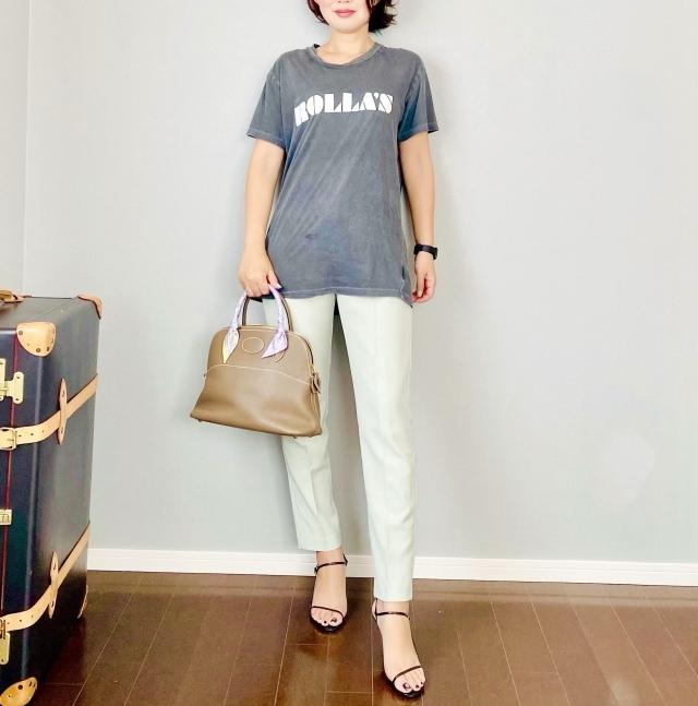 40代にベストなロゴTシャツとは? 大人に似合う夏の最旬ロゴTシャツコーデまとめ|美女組Pick up!_1_15