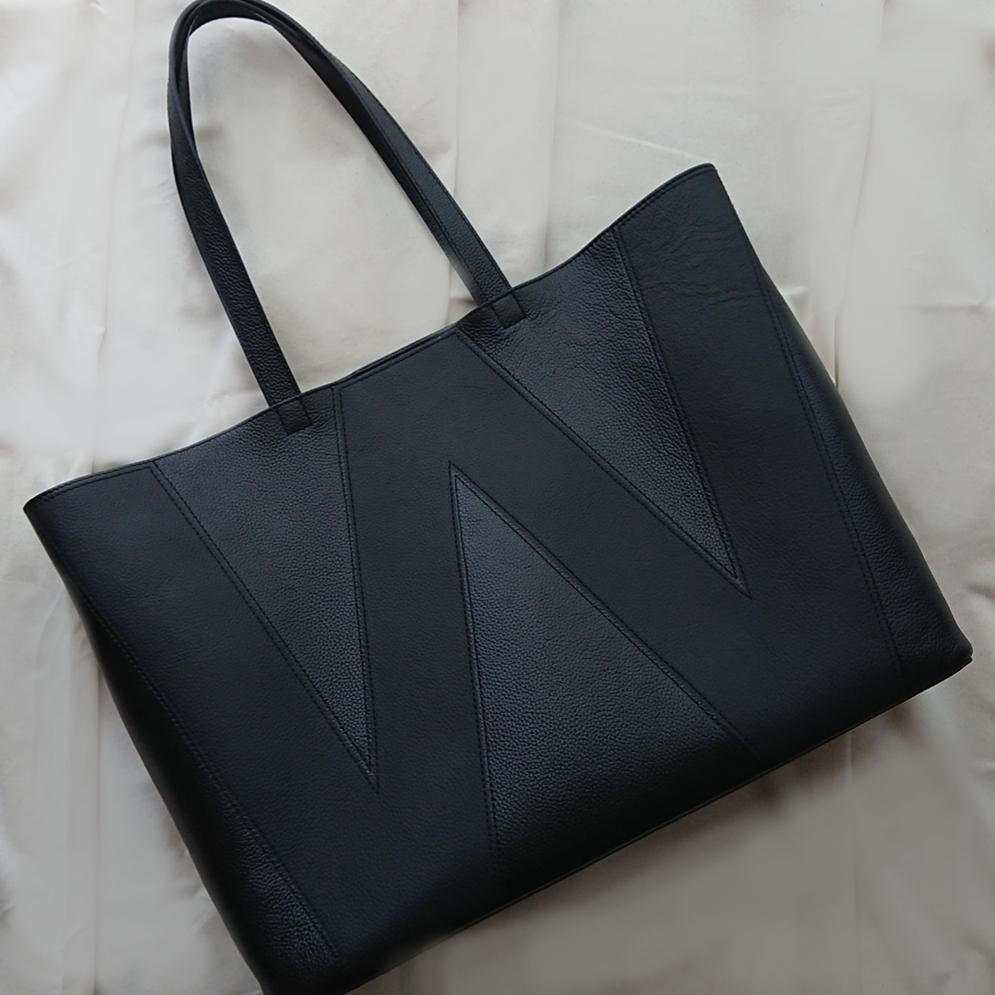 黒トートバッグ