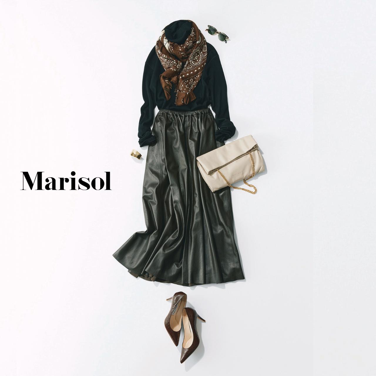 40代ファッション スカーフ×ニット×レザースカートコーデ