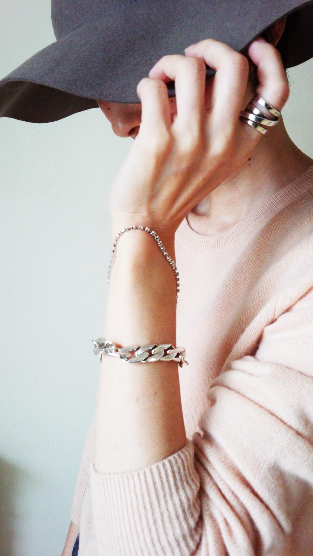 お気に入りのブレス×グーレ×ピンクで秋のコーデ_1_2