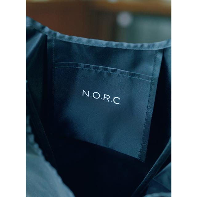 エクラ2021年4月号の付録のノーク×エクラ黒ショッパーBAGの内ポケット