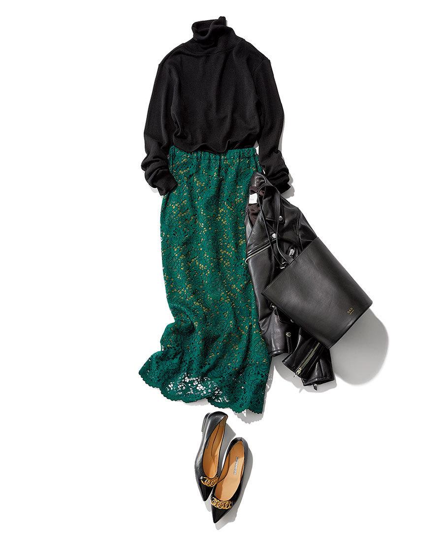 黒のタートルニット×グリーンのレーススカートコーデ