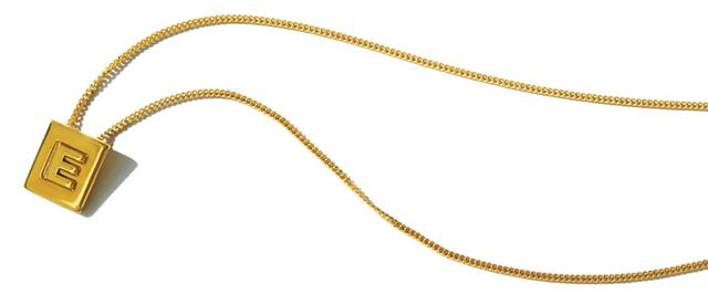 セリーヌのゴールドブラスネックレス