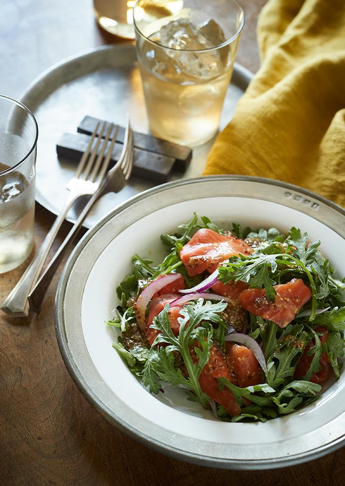 スモークサーモンと春菊のサラダ