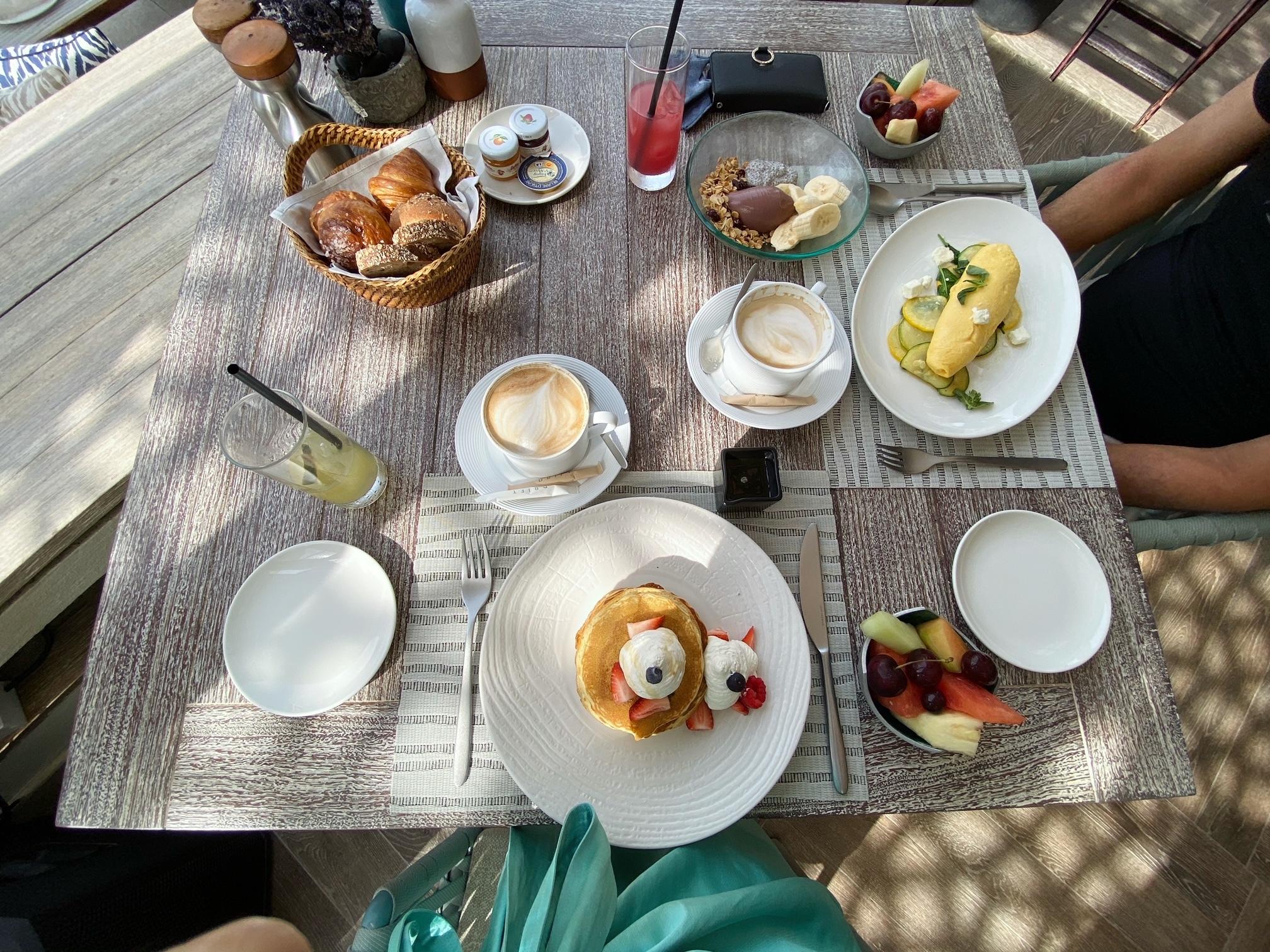 幸せな朝食とリゾートコーデ 〜ドバイ⑩〜_1_2