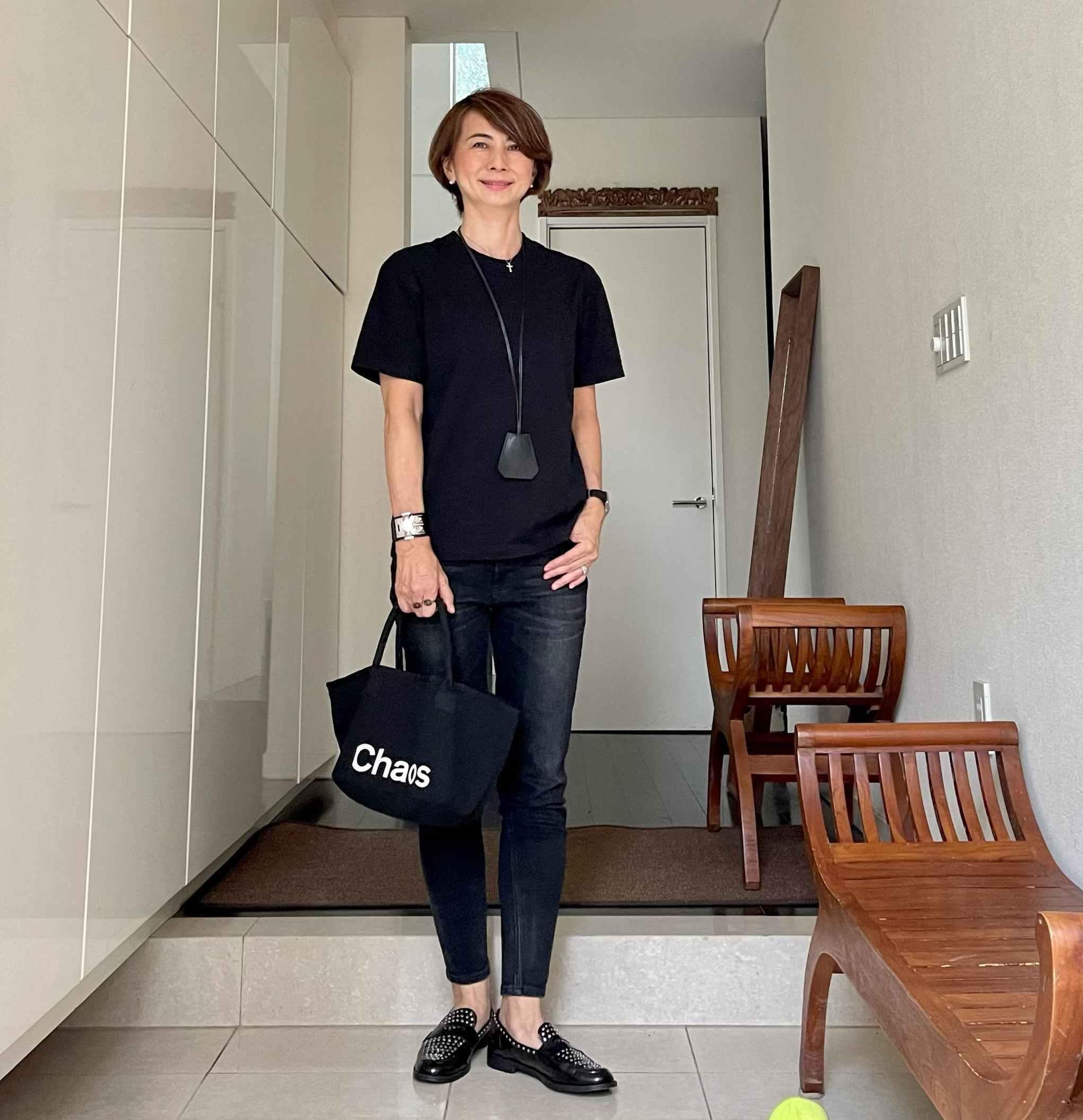 おしゃれなアラフィーのお気に入りバッグ「カオス×エクラ」黒バスケット型トート