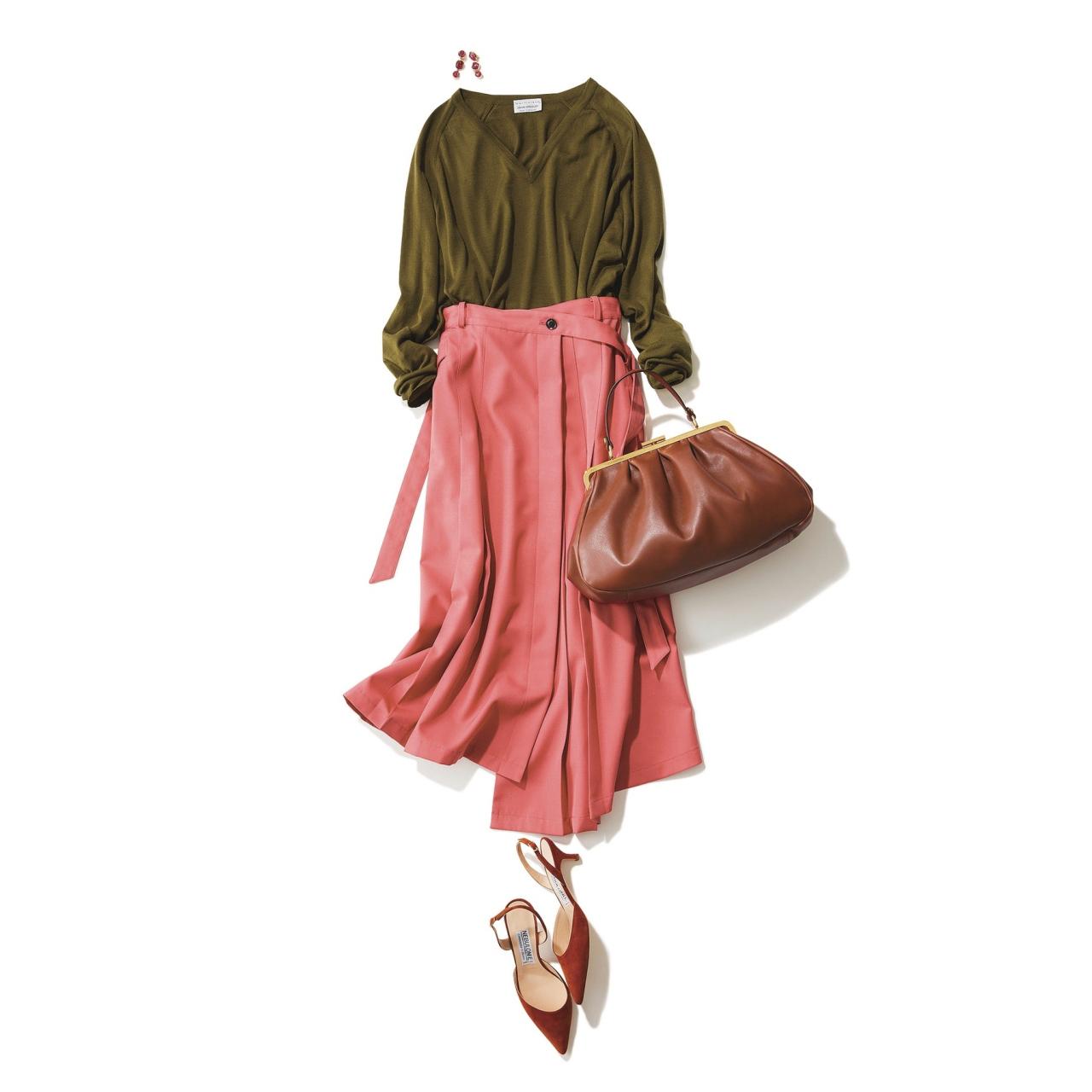 ピンクスカート×カーキニットのファッションコーデ
