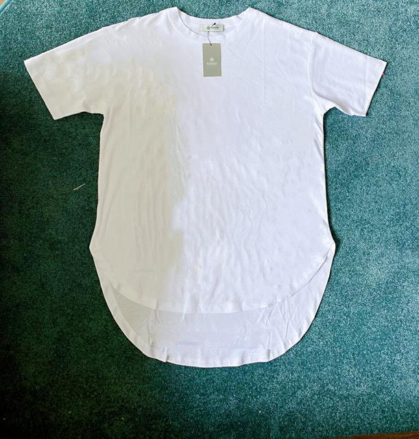 シルエットが綺麗なのに、体型がカバーできるナノユニバースのTシャツ_1_1