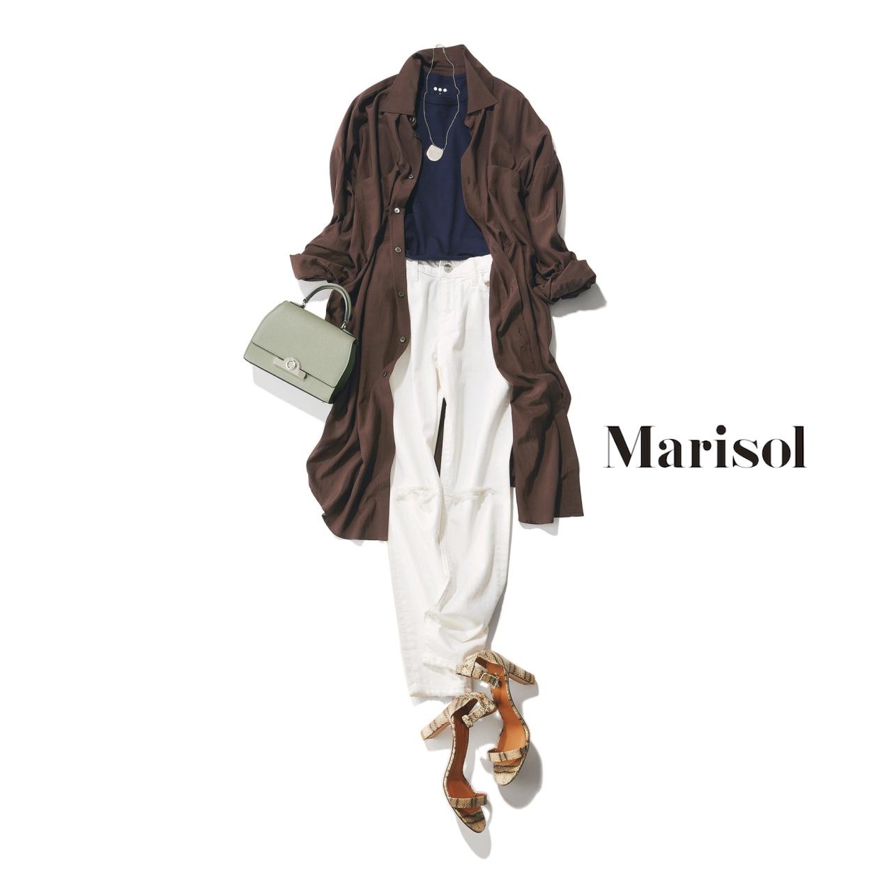40代ファッション ネイビーTシャツ×白デニム×ブラウンシャツコーデ