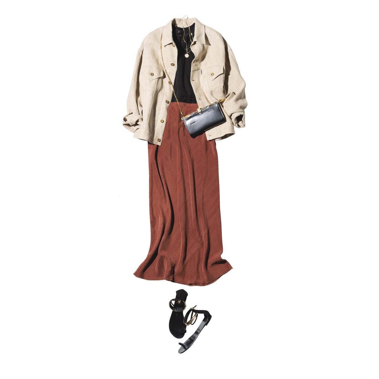 ■ベージュのジャケット×ブラウンのツヤスカートコーデ